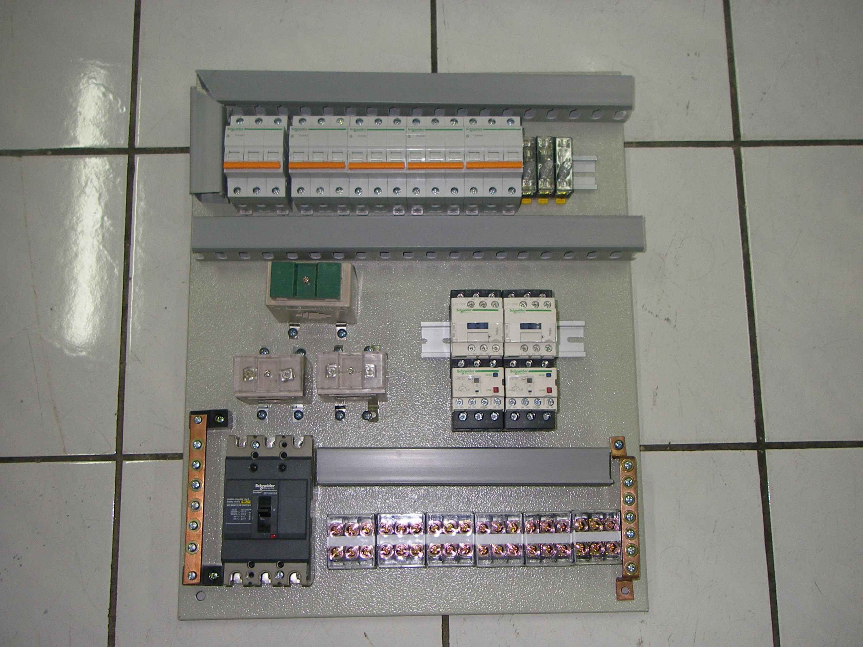 Terima Jasa perakitan Panel kontrol Listrik untuk industri ... on roof panel, pump panel, switch panel, fuse panel, drywall panel, glass panel, maintenance panel,