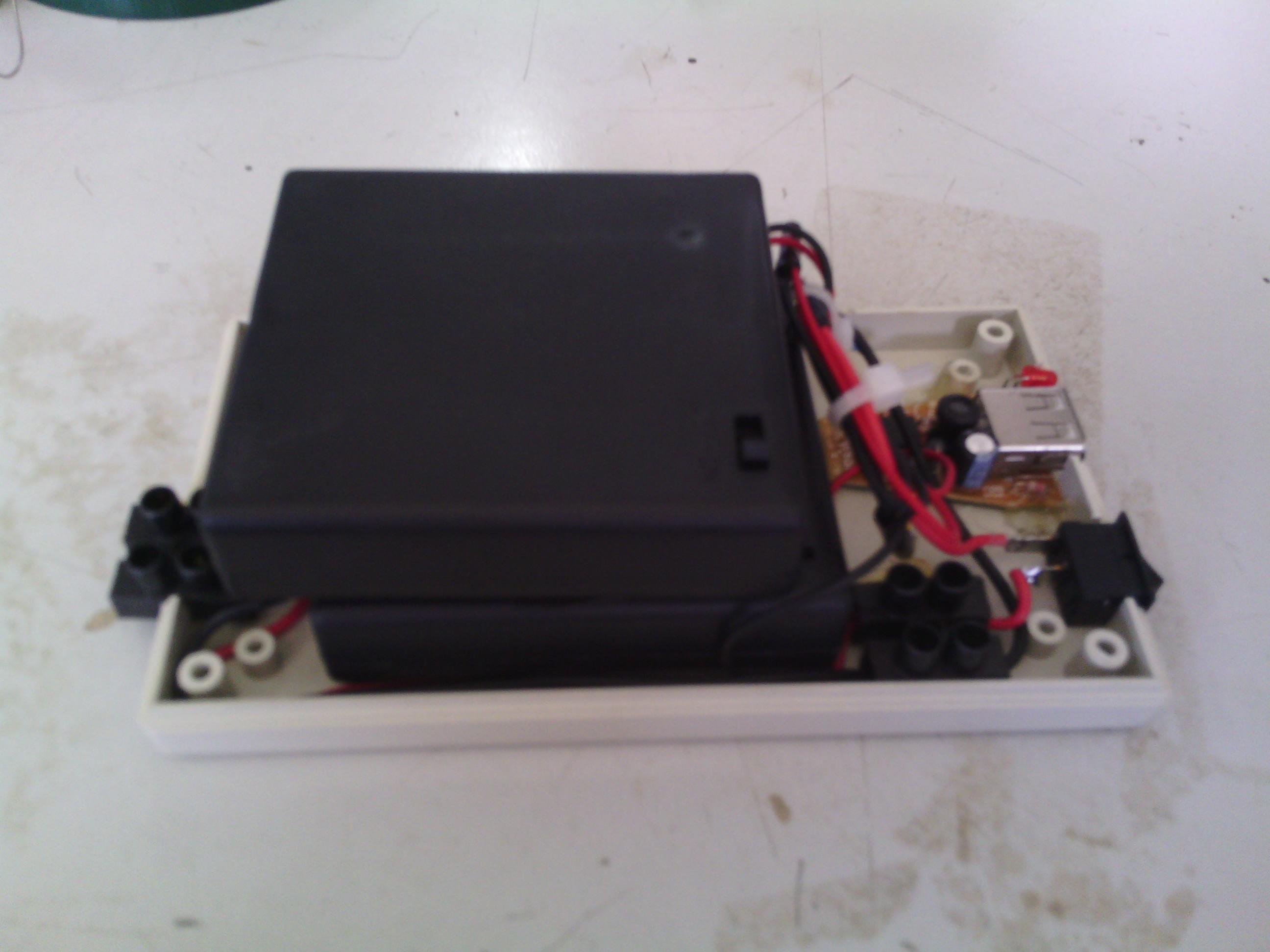 Membuat Power Bank sendiri untuk mengisi battery Hp